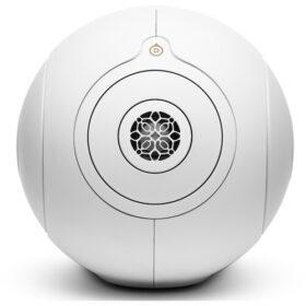 Desfrute de um áudio sem fio potente com o alto-falante sem fio dourado Devialet Phantom I 108 dB Wireless Speaker.